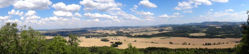 Ostrzyca Proboszczowicka. Panorama ze szczytu.