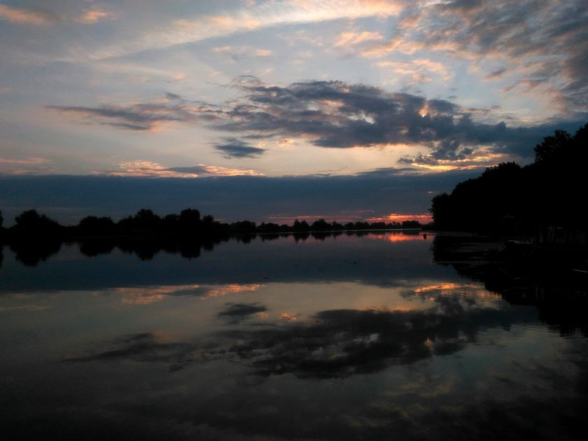Wschód słońca na Nogacie w marinie Malbork