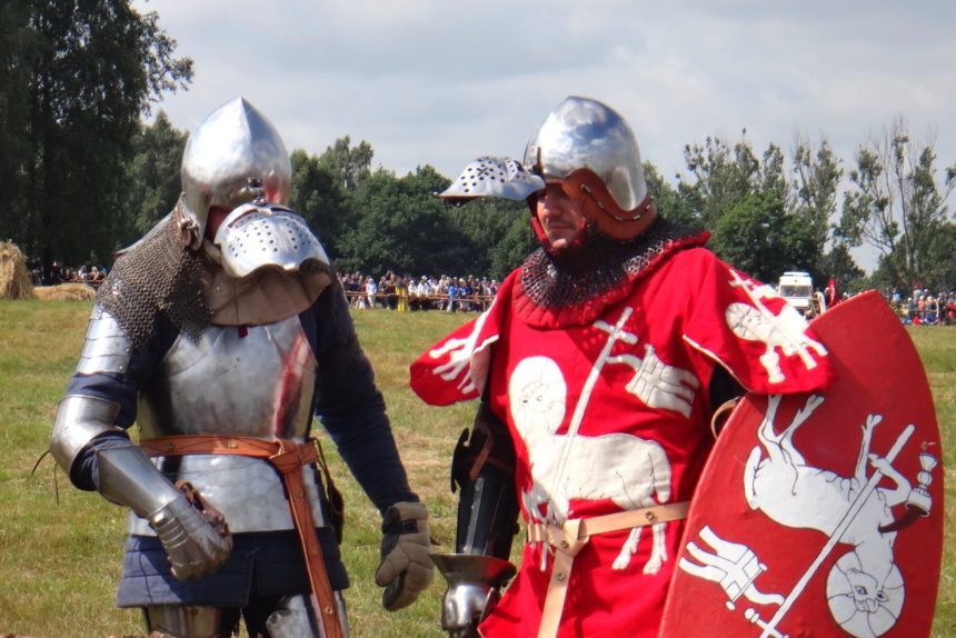 Inscenizacja bitwy pod Grunwaldem. Rycerze przed bitwą.