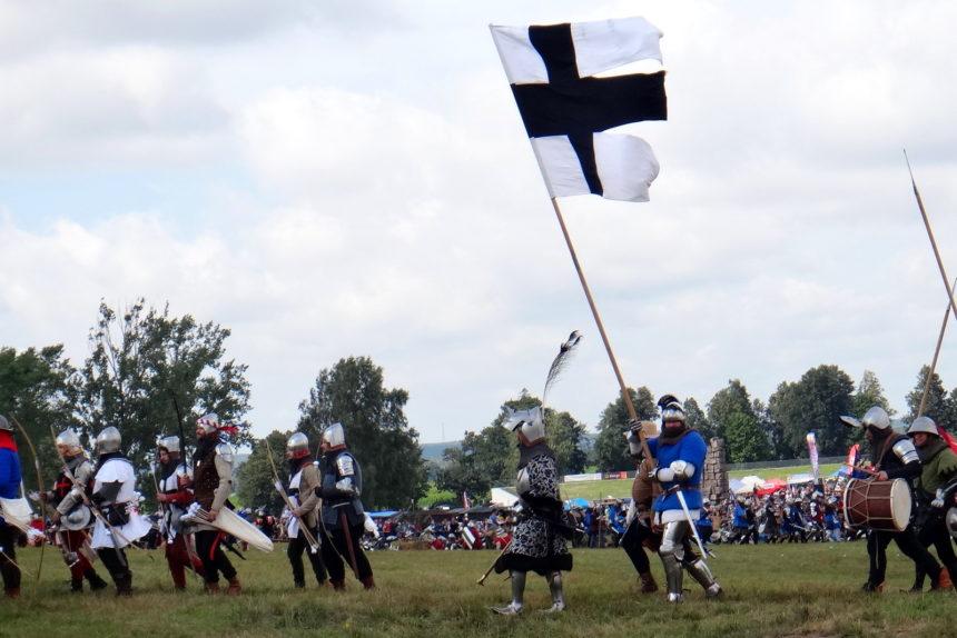 Inscenizacja bitwy pod Grunwaldem. Przemarsz wojsk.
