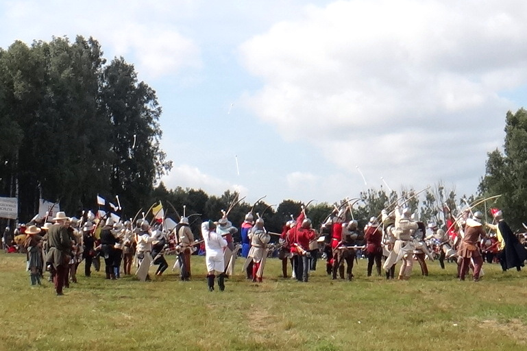 Inscenizacja bitwy pod Grunwaldem. Las strzał.