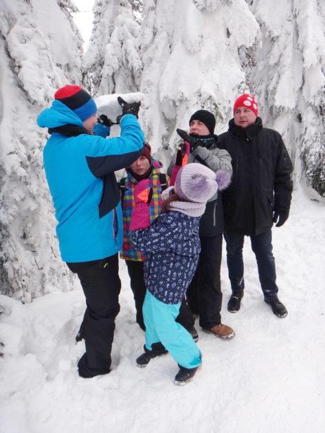 Beskid Śląski zimą. Harce na sniegu na Szyndzielni.