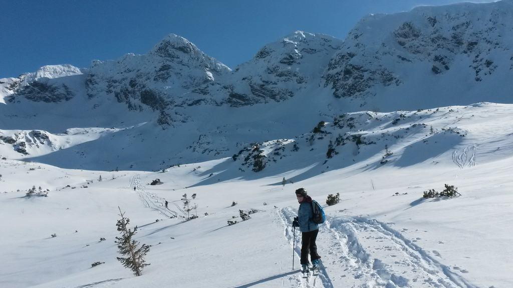 Podejście na skiturach z Hali Gąsienicowej na Karb.