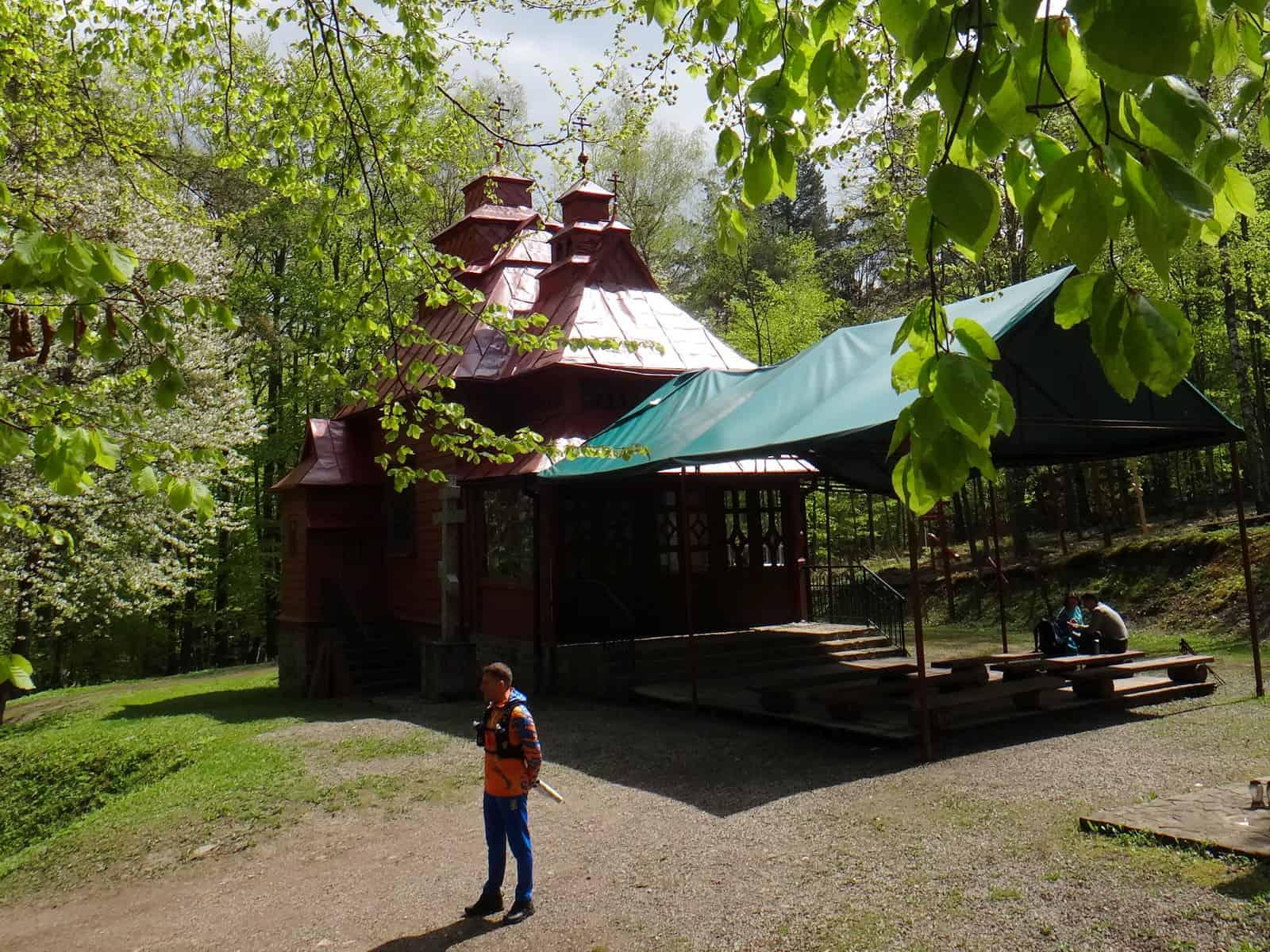 Kaplica na górze Jawor.