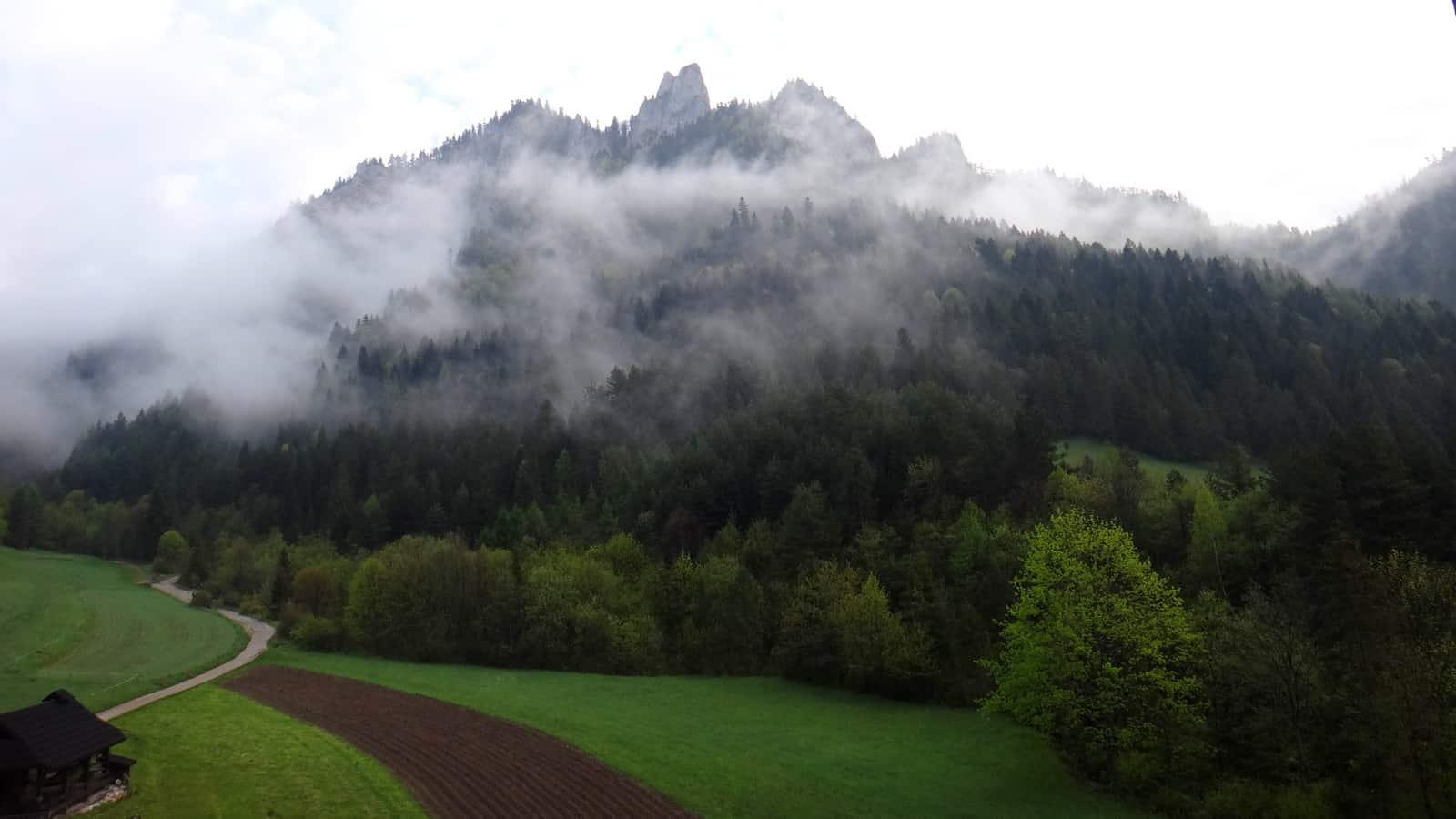 Trzy Korony w porannej mgle