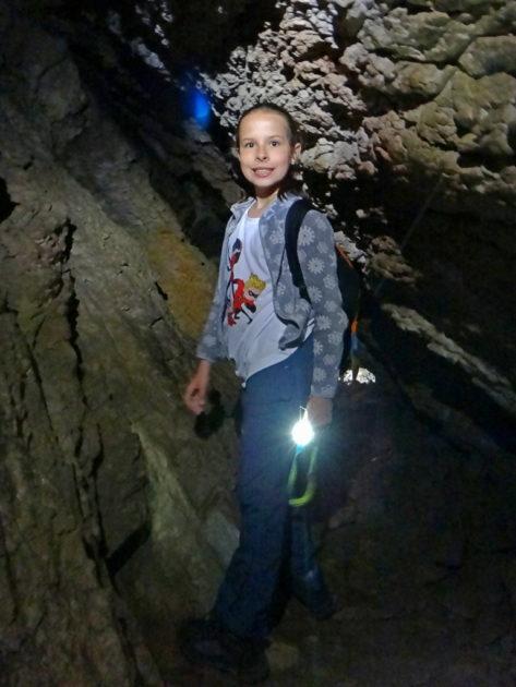 Ania w korytarzach Jaskini Mylnej.