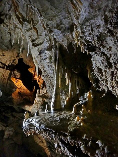 Szata naciekowa w Jaskini Bielskiej