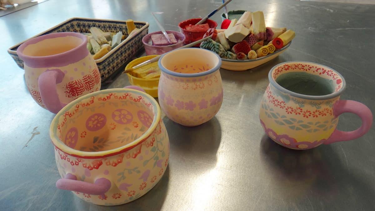 Nasze prace z warsztatów ceramicznych w Żywym Muzeum Ceramiki w Bolesławcu.