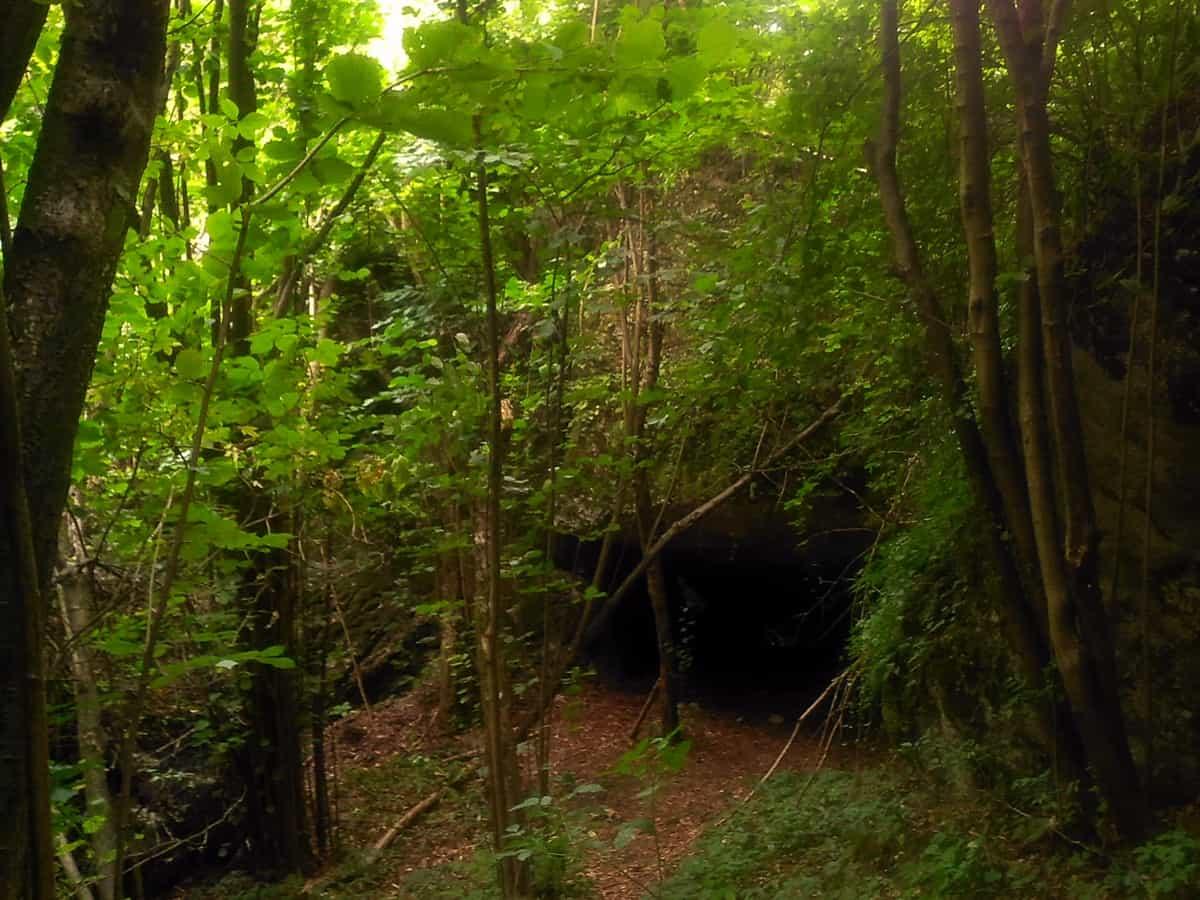 Zimny Dół -jaskinia.