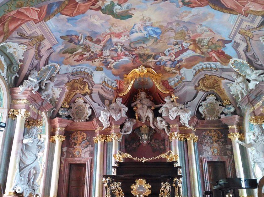 Aula Leopoldina - rzeźba Leopolda I Habsburga.