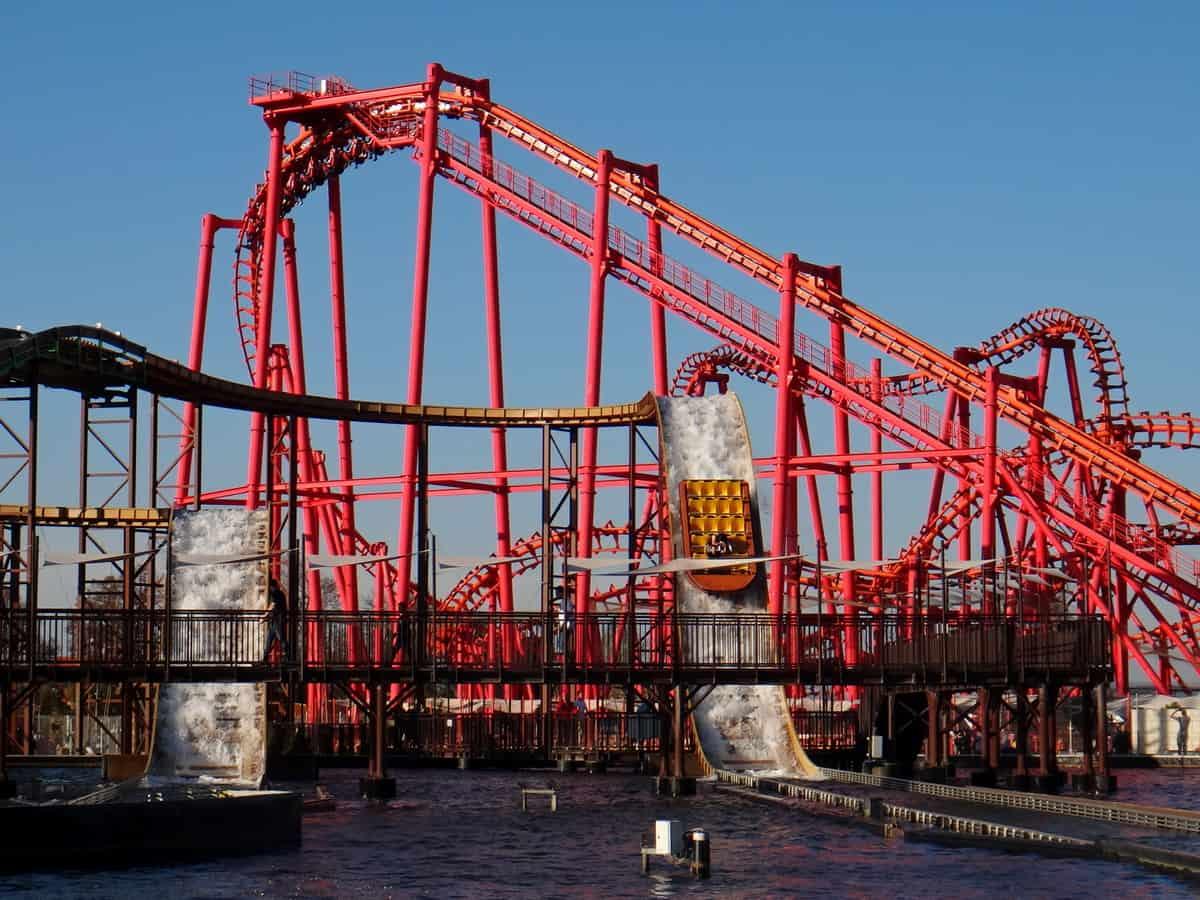 Rollercoaster Anaconda w Energylandii.
