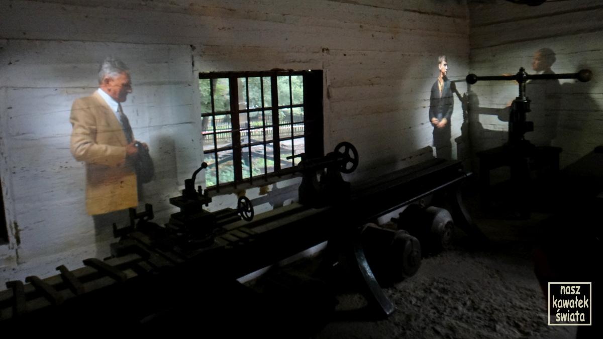 Warsztat z holograficzną inscenizacją w Muzeum Przemysłu Naftowego i Gazowniczego w Bóbrce.
