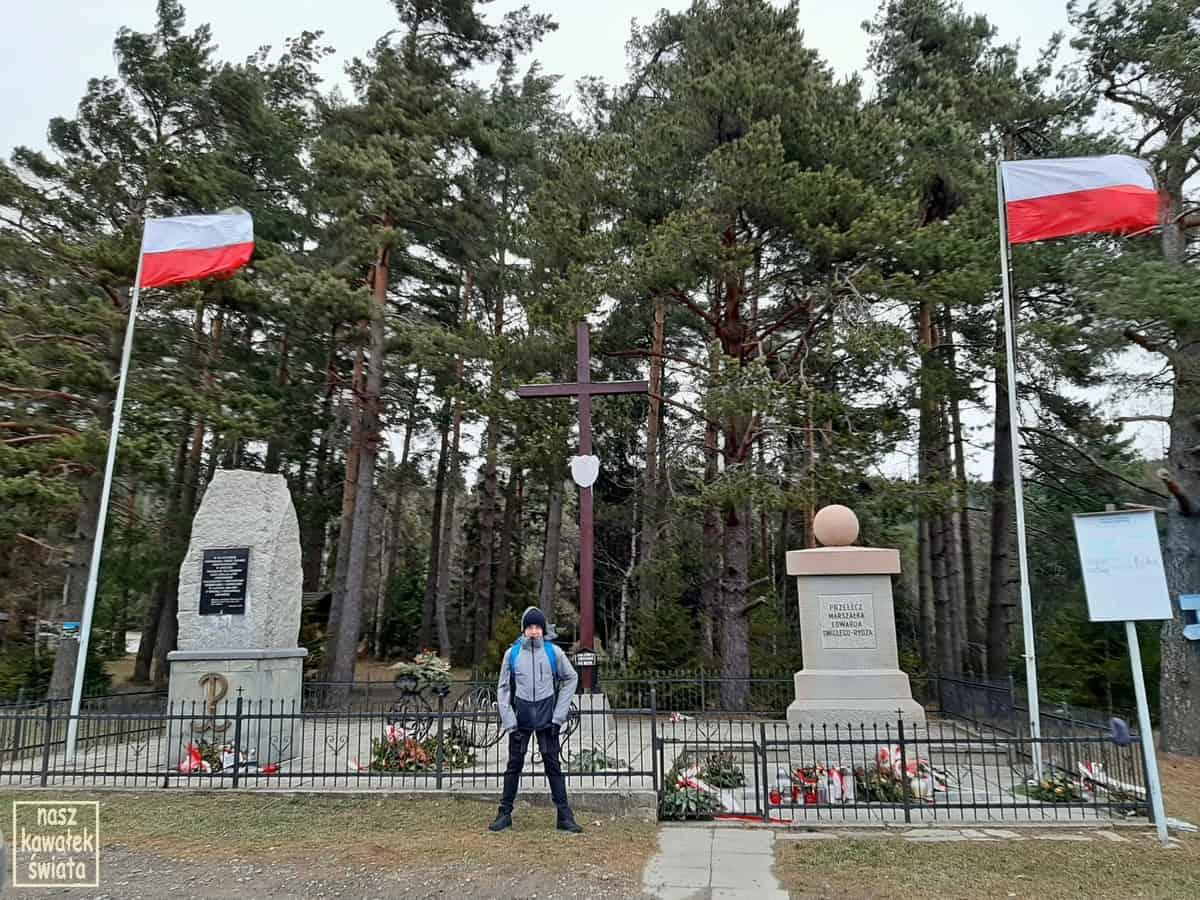 Przełęcz marszałka Edwarda Rysza-Śmigłego.