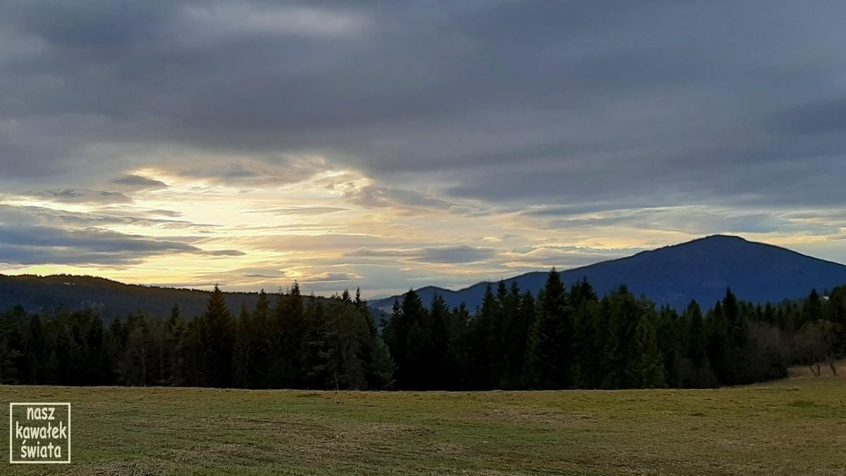 Zachód słońca na Przełęczy Rydza-Śmigłego.