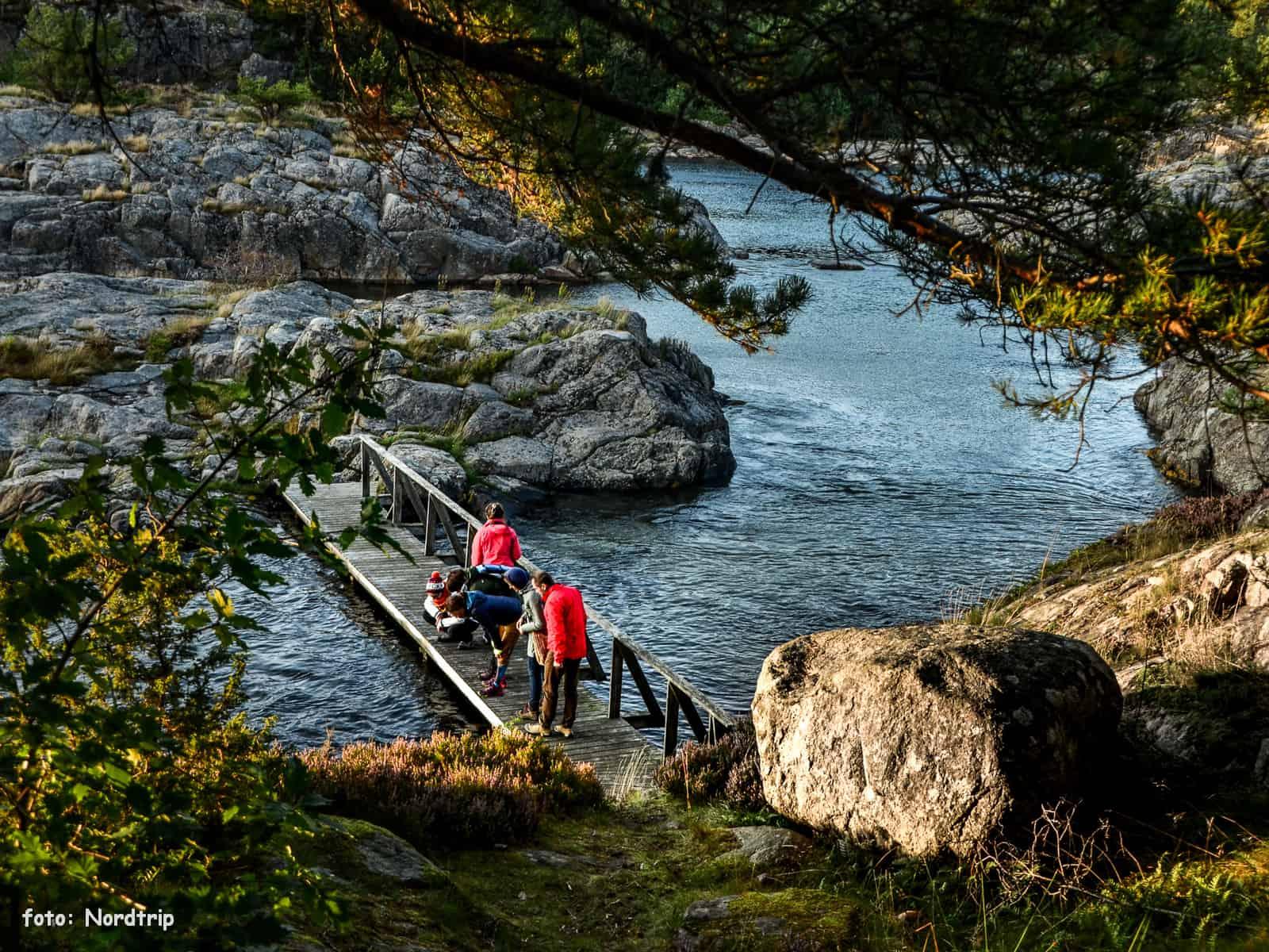 Mostek prowadzący  na wyspę Grundesholmen.