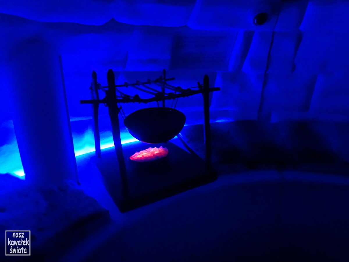 Wnętrze igloo. muzeum statku Fram.