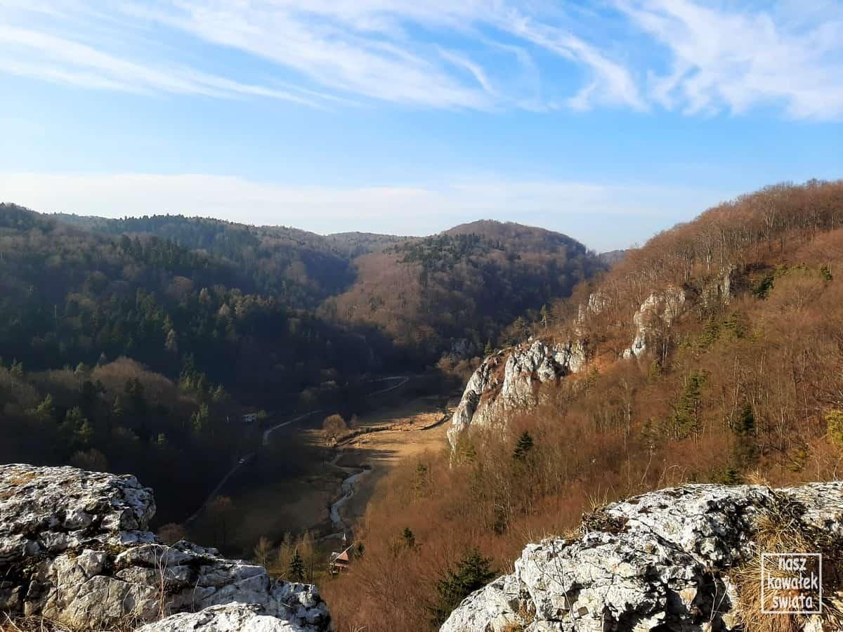 Panorama Ojcowa z Góry Koronnej.