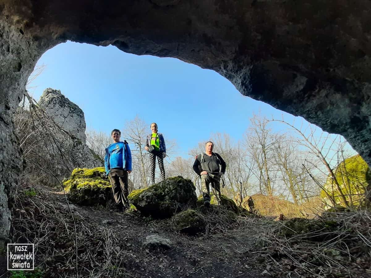 Jaskinia Jasna koło Smolenia w Dolinie Wodącej.