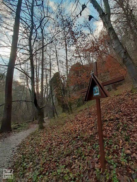 Dolina Mnikowska. Stacja drogi krzyżowej.