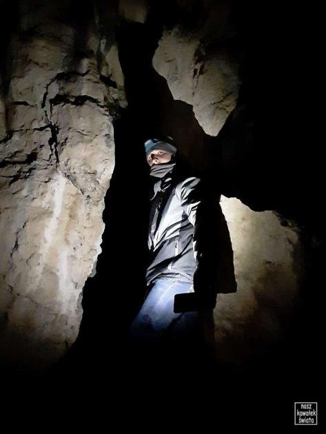 W Jaskini nad Matką Boską w Dolinie Mnikowskiej