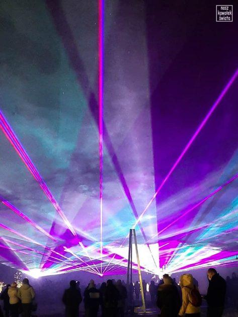Ogród świateł Alicja w Krainie Czarów. Pokaz laserowy.