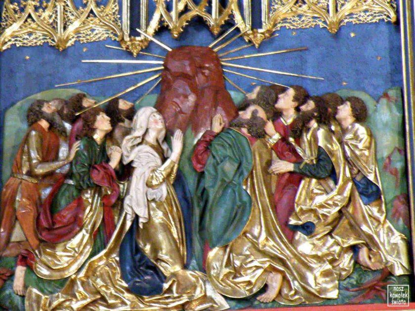 Ołtarz Wita Stwosza po renowacji - wniebowstąpienie
