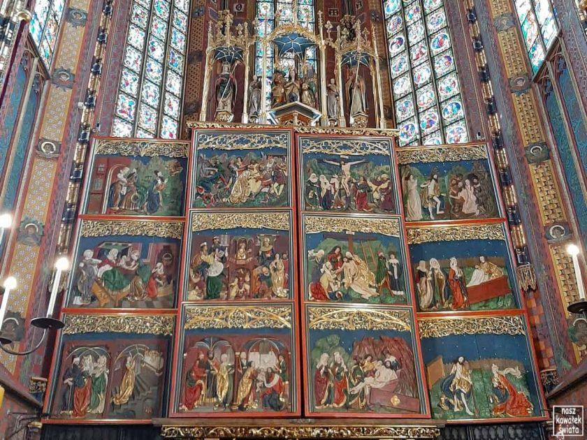 Zamknięty ołtarz Wita Stwosza po renowacji