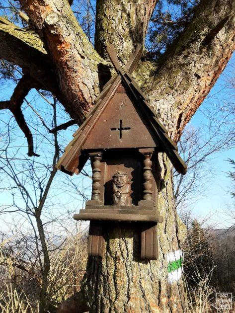 Kapliczka na szlaku Tylmanowa-Koziarz
