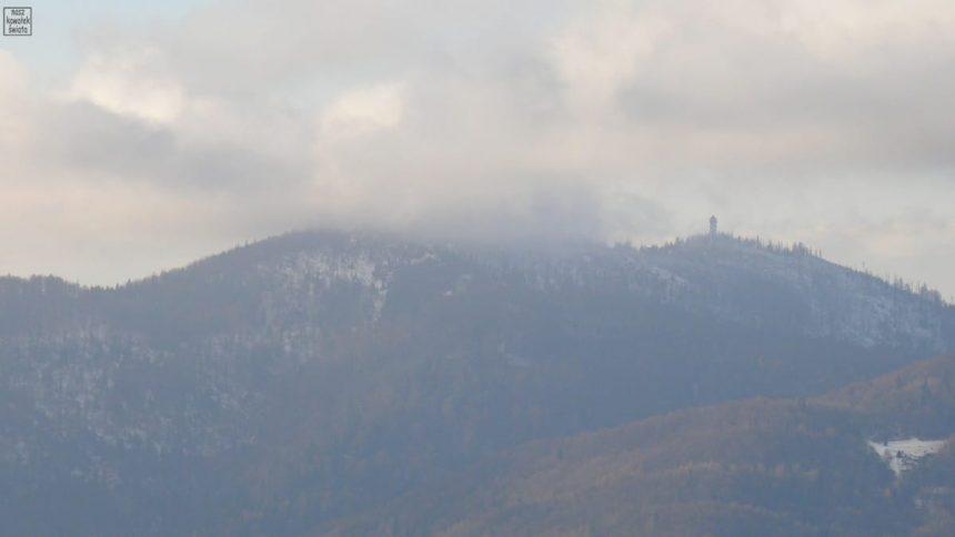 Wieża widokowa na Gorcu widziana z Koziarza