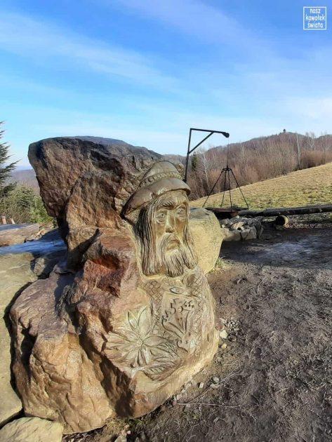 Rzeźba na Polanie Kolebisko
