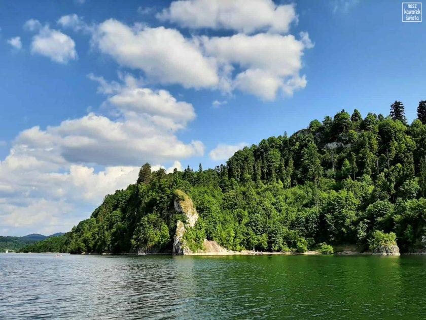 Brzegi Jeziora Czorsztyńskiego